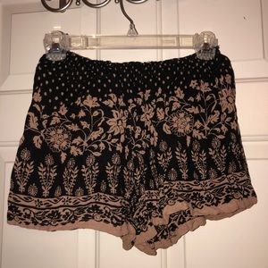 Black and Tan flower patterned flowy shorts